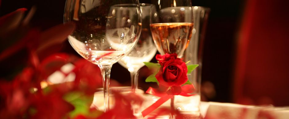 <h3>結婚式の2次会など、さまざまなシーンに最適!</h3><br /> 当店では基本お客様主体のパーティです♪♪皆様で盛り上がりましょう!!!